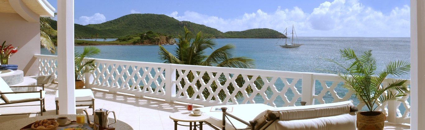 Curtain-Bluff_GraceBalcony-Medium-webcrop